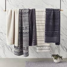 bathroom towels ideas best 25 bathroom towels ideas on bathroom towel hooks