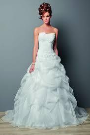 robe de mariã e pour femme voilã e robe de mariée un style un gout et un must