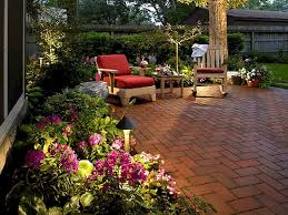 amusing small yard landscaping designs to inspire your home decor