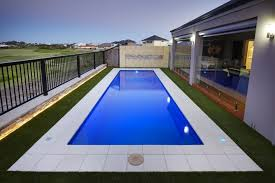 decorating modern swimming pool for backyard with square layout