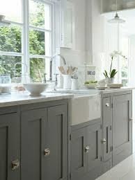 repeindre cuisine repeindre cuisine en gris rnover une comment peindre newsindo co