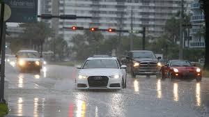 Florida Rain Meme - should you turn on your flashing hazard lights in the rain not in