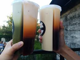 Boba Tea House Long Beach by We Finally Tried The New Split Cups From Snow Monster Eat With Hop
