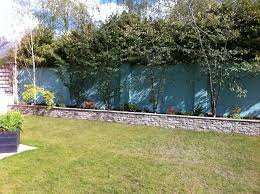naas raised bed with painted back wall