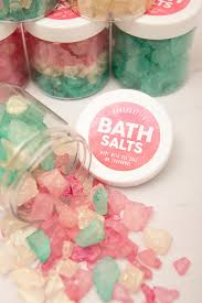 salt water taffy wedding favor learn how to make these gorgeous sparkling bath salt gifts