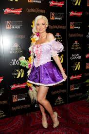 holly madison 2011 halloween party in las vegas 04 gotceleb