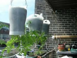 build a self watering hanging planter