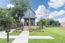 Chip And Joanna Gaines House Address Fixer Upper U0027 Shotgun House For Sale In Waco For 950 000 Houston