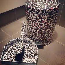 Cheetah Print Bathroom by Best 25 Leopard Print Bedroom Ideas On Pinterest Cheetah Room