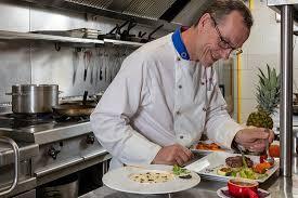 le chef en cuisine le chef au travail picture of le patti grasse tripadvisor
