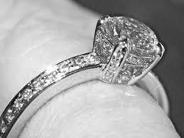bagues de fian ailles offrir ou pas une bague de fiançailles en diamants neolage