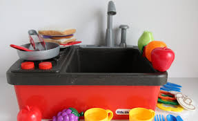 Kitchens For Kids by Little Tikes Splish Splash Sink And Stove Kitchen Toys For