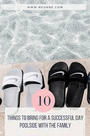 10 things to bring for a succeful day poolside with the family