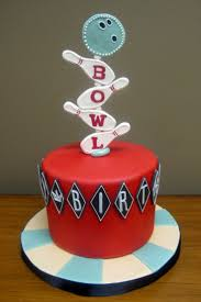 Halloween Birthday Party Cakes by Best 25 Bowling Birthday Cakes Ideas On Pinterest Bowling Party