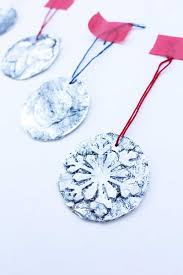 homemade christmas ornaments 5 minute embossed ornaments