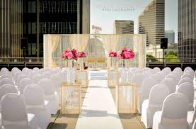 beautiful outdoor ceremony at the renaissance columbus downtown
