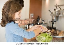 maman cuisine fille maman cuisine cuisine fille cuisine mère photographie