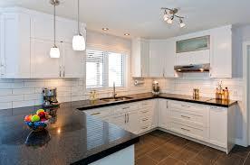 cuisine et comptoir cuisine blanc comptoir noir waaqeffannaa org design d intérieur
