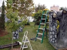 Backyard Haunted House Ideas 62 Spooktacular Diy Decorations Yard Haunt Diy