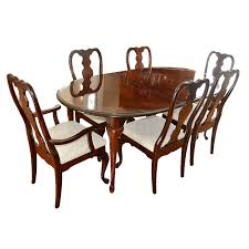 kincaid dining room queen anne style dining table and chairs by kincaid ebth