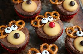 30 of the most creative christmas cupcake ideas ever bored panda