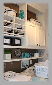 remodelando la casa closing the space above the kitchen cabinets