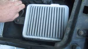 changing the engine air filter on a 2006 saturn vue youtube