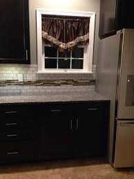 Countertop Backsplash Combinations by Best 25 Caledonia Granite Ideas On Pinterest Kitchen Granite
