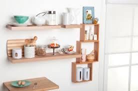 estantes y baldas jugando con las estanter祗as consigue espacio sumando estilo
