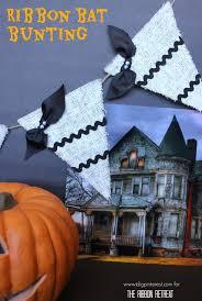 halloween home decor pinterest i dig pinterest diy ribbon bat halloween bunting halloween