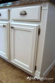 Annie Sloan Chalk Paint In Old White For Kitchen Cabinet - Painting kitchen cabinets with black chalk paint