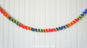 streamers paper craftiments accordion fold paper garland tutorial accordion