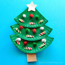 christmas tree pictures paper plate christmas tree craft i heart crafty things