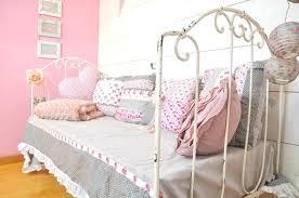 coussin chambre bébé coussin chambre bebe housse coussin chambre bebe