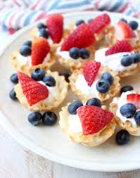 dessert baskets berry fillo baskets recipe whitneybond