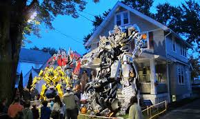 spirit halloween cleveland out of this world cleveland family dresses up home with giant