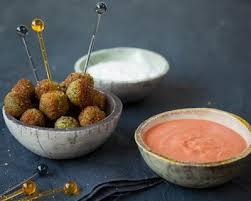 comment cuisiner des feves seches falafels aux fèves et leur duo de sauce cuisine az