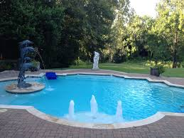 swimming pool repair and pool cleaning near conroe freedom pool
