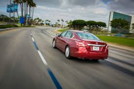 xe nissan altima 2015 nissan promises big changes for altima u0027s mid cycle refresh