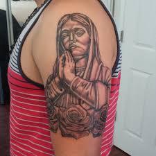 tatouage femme avant bras tatouage vierge marie top 35 des plus beaux dessins