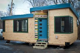 building a home in vermont vermont students learn to build a tiny house