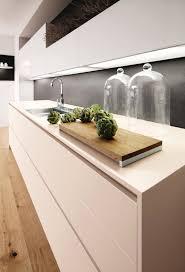 lumiere meuble cuisine eclairage meuble de cuisine awesome eclairage cuisine sans meuble