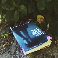 the bell jar themes analysis the bell jar essay descent into insanity life under the bell jar of