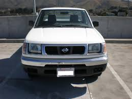 nissan frontier front bumper file 1st gen white nissan frontier front jpg wikimedia commons