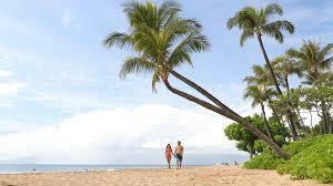 hawaii walking on hawaiian kaanapali