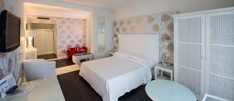 Heart Shaped Bed Frame by Honeymoon Suite Hotel Mediterraneo Riccione