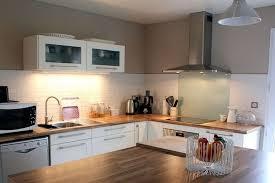bois cuisine cuisine blanc laque et bois cuisine blanche laquée avec sol en bois