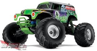 monster truck videos for traxxas lining up the monster jam lineup big squid rc rc car