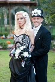 Halloween Wedding Photos by Check The Eyeball Bouquet At This U0027til Death Do Us Party