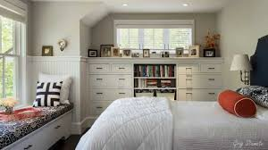 how to make a small bedroom look bigger 5544